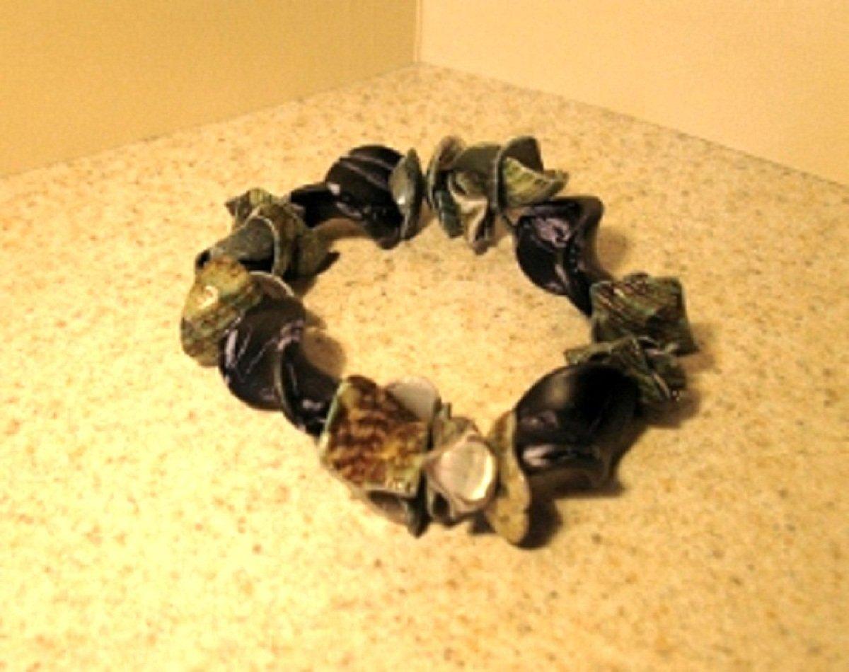 Bracelet Black Shell Bangle NEW & HOT! #660