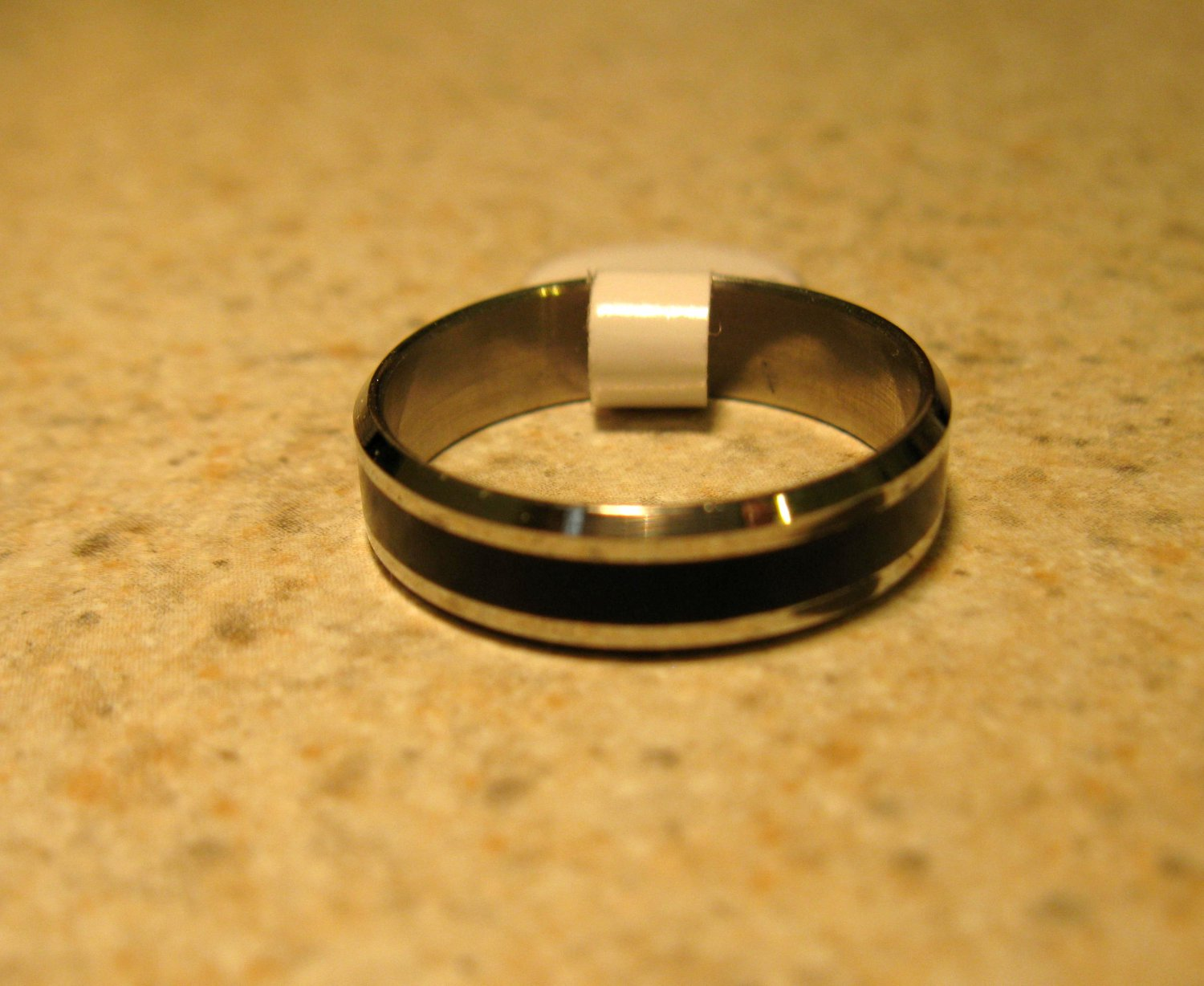 Silver with Black Wedding Band Rings Unisex Sizes 7 New #806
