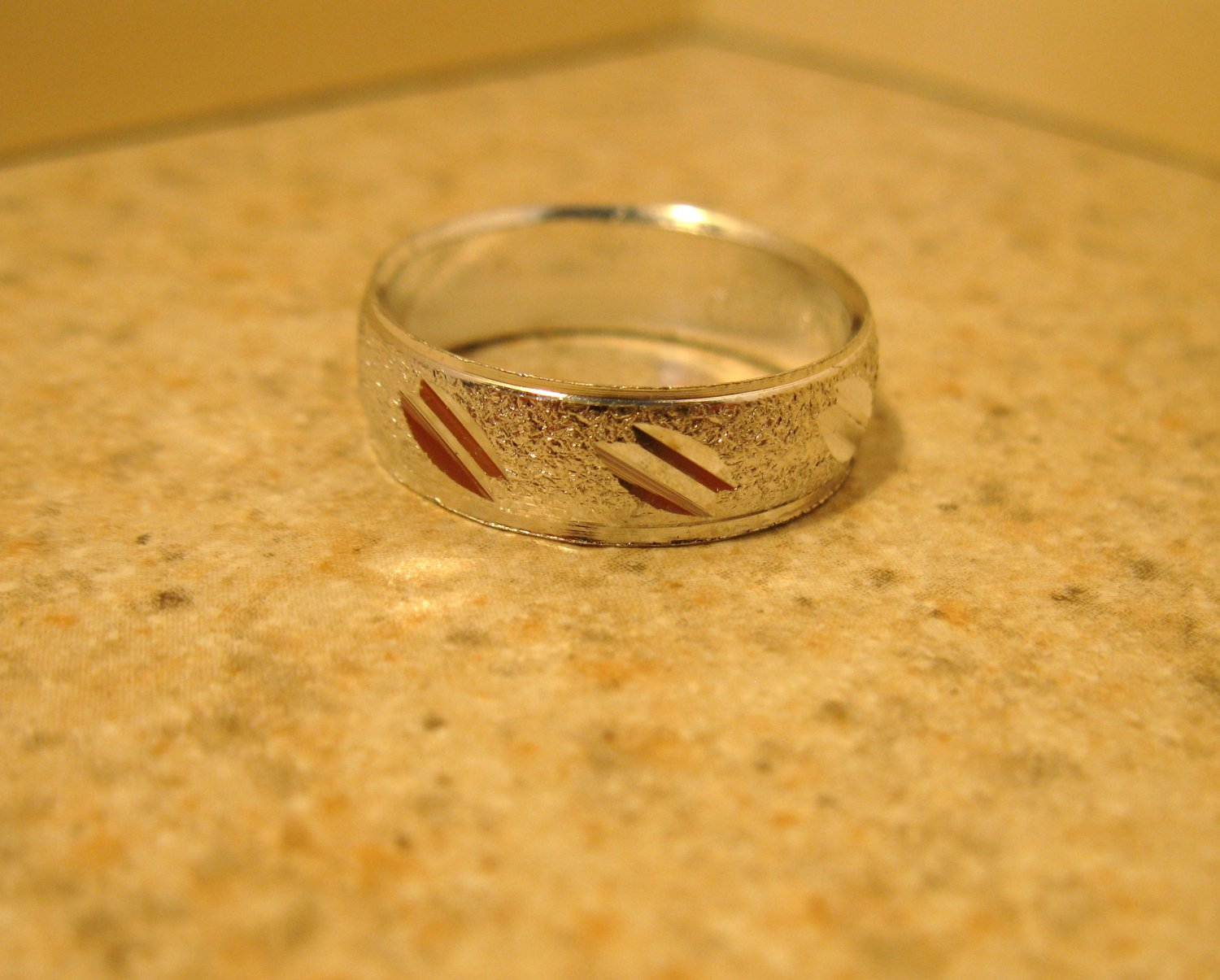 Silver Plated Double Notched Design Aluminum Ring Unisex Size 7.5 New! #982