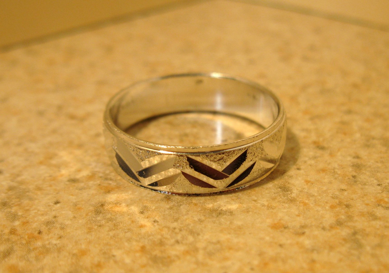 Silver Plated Zig Zag Notch Design Aluminum Ring Unisex Size 10 New! #979