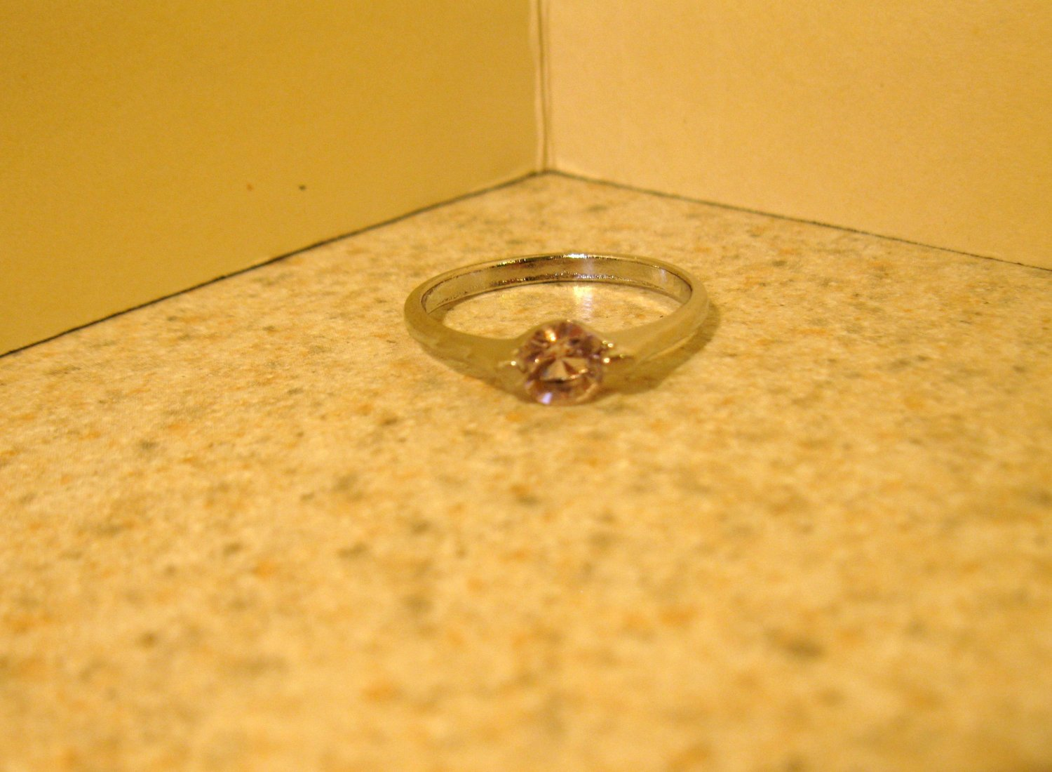 Lovely Pink Sapphire Solitaire Ring Size 7.5 New! #194