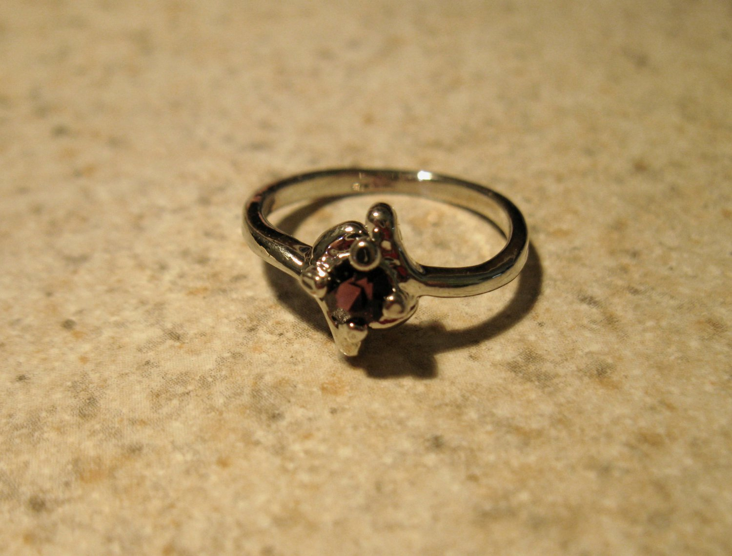 Ring Beautiful Purple Amethyst in Solitaire Setting Size 5.5 New! #776