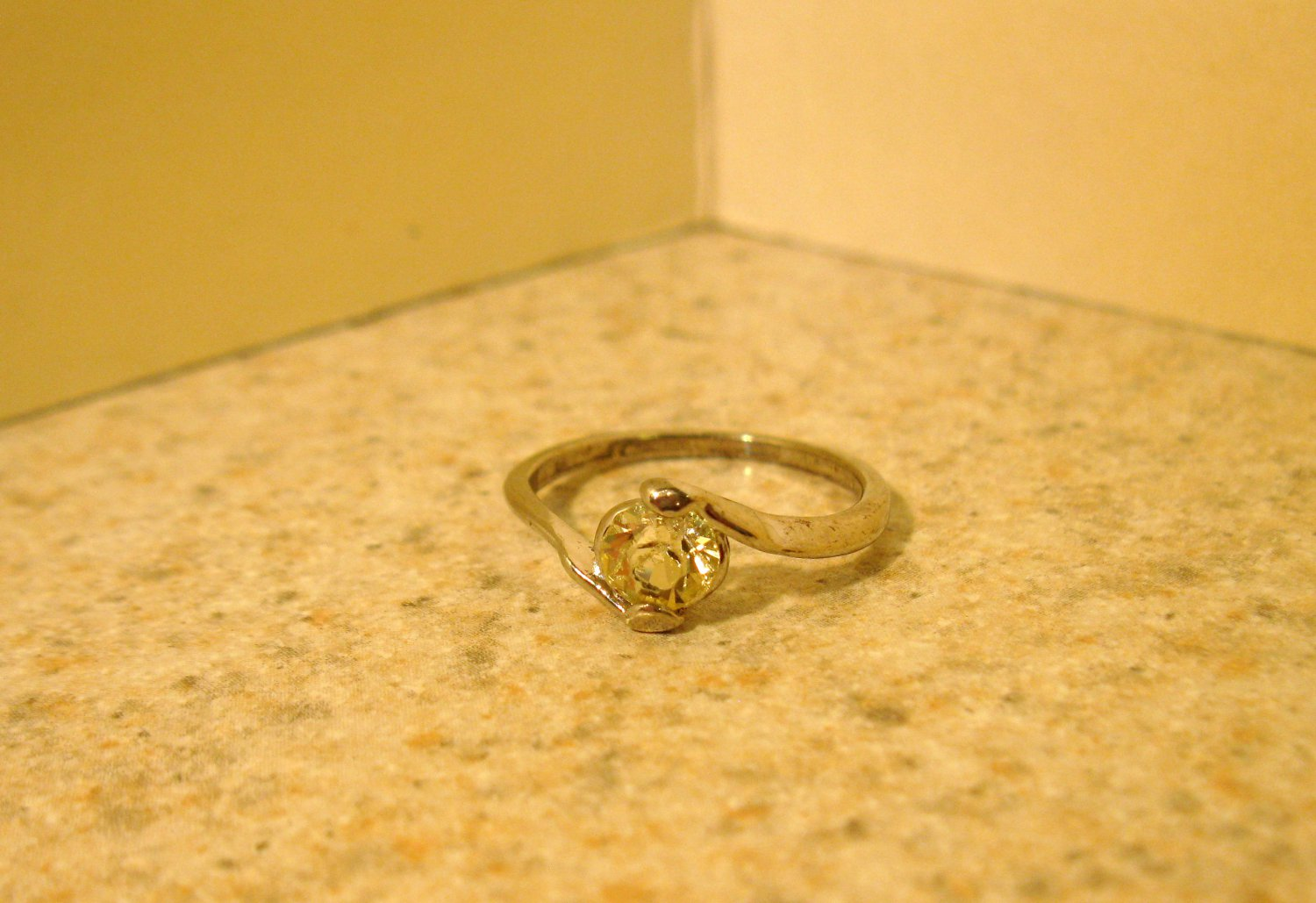 Ring Beautiful Yellow Lemon Quartz Heart Solitaire Size 6 New! #188