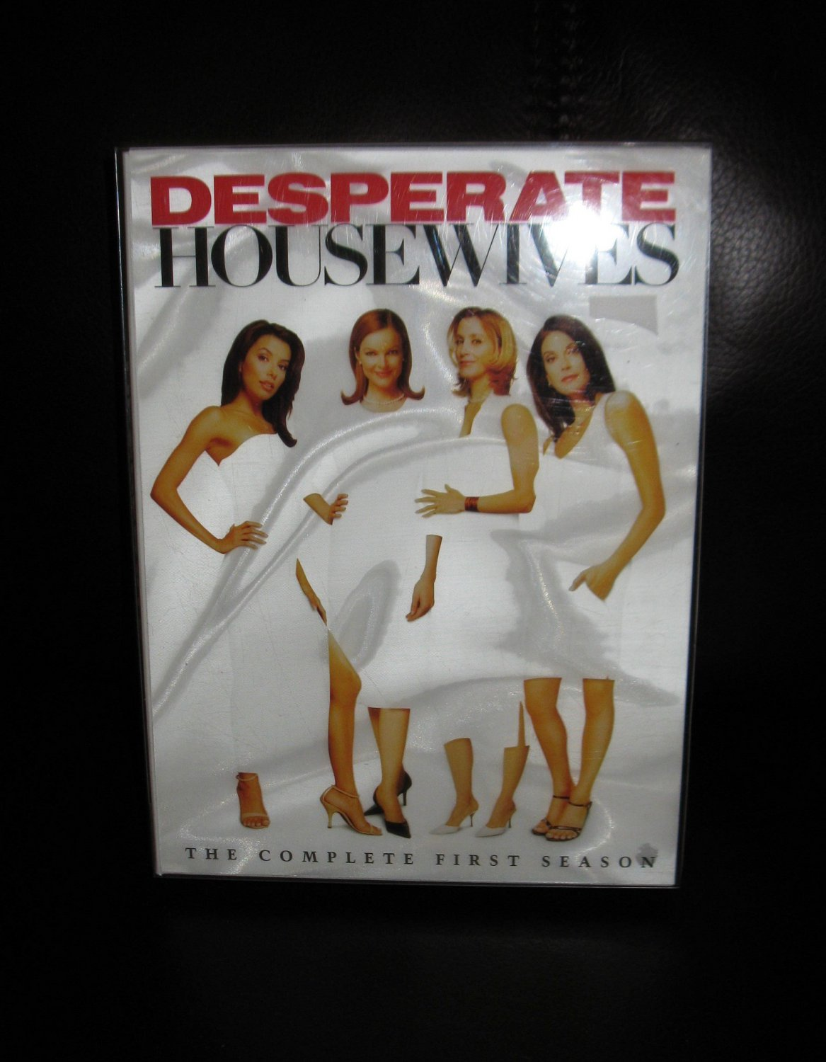 Desperate Housewives - The Complete First Season (DVD, 2005, 6-Disc Set) #T166