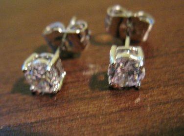 Stunning Silver Round Diamond Stud Pierced Earrings Beautiful & New #D474