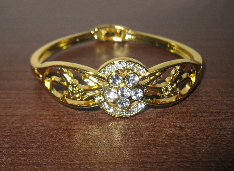 Sizzling Gold 6 Diamond Floral Bangle Bracelet New #D513