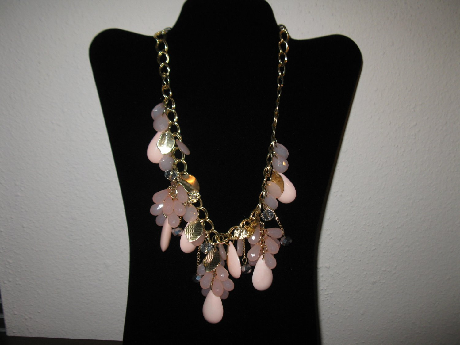 Beautiful Pink Chunky Bib Crystal Charm Necklace New & Hot! #D647