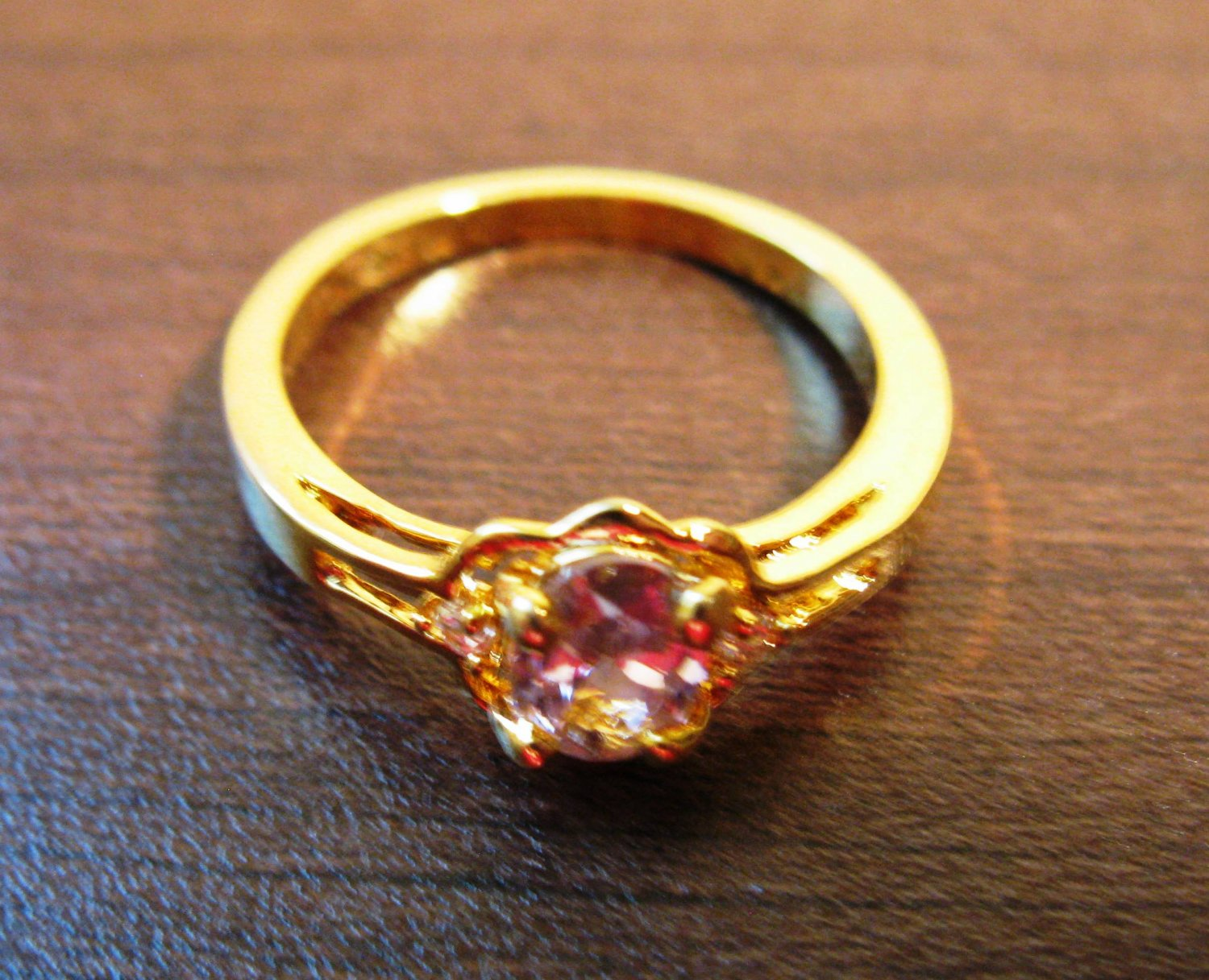 Lovely Gold Pink Sapphire Ring Size 7.5 NEW! #D632