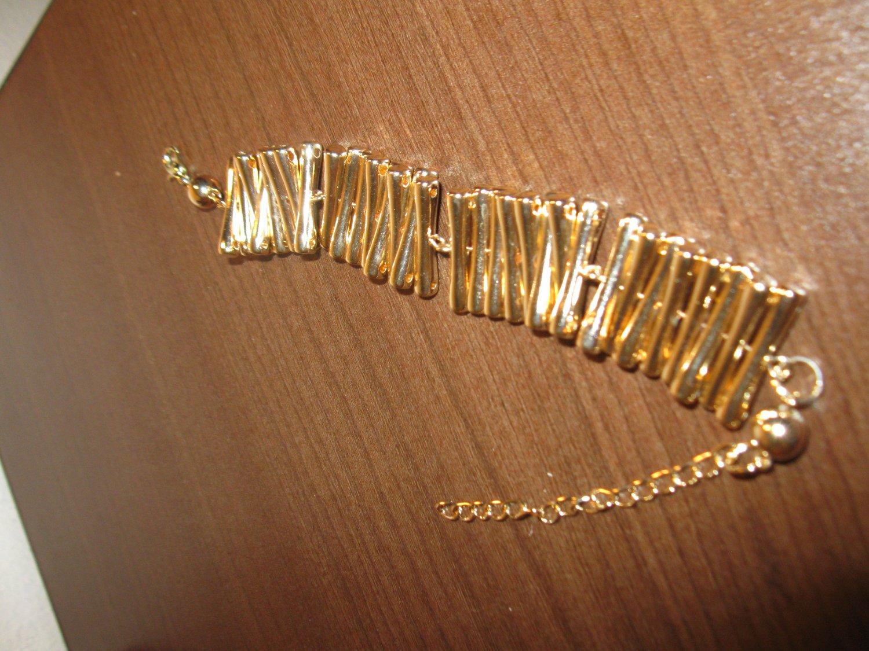 Gorgeous Wide Gold Bracelet New! #D779