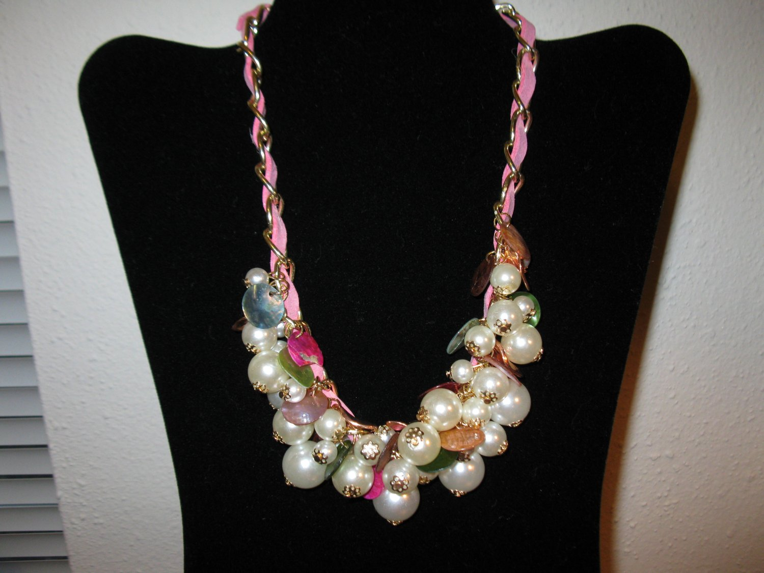 Unique Chunky Pearl Necklace With Pink Leather Entwined In Adjustable Chain D708