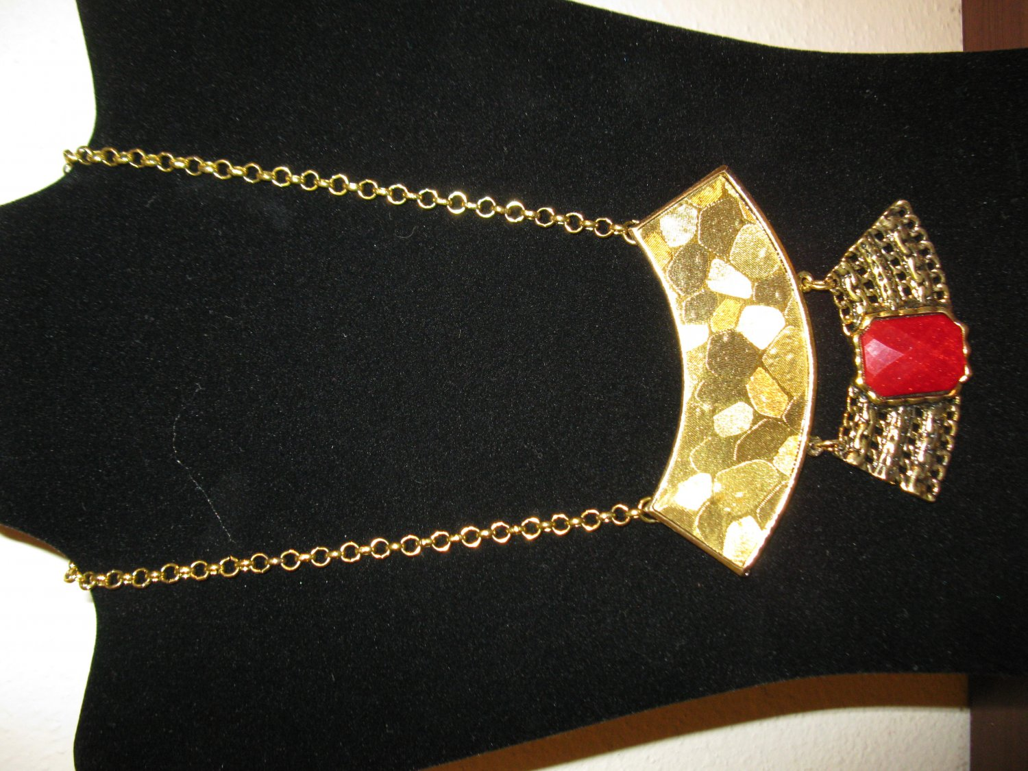 Gorgeous Chunky Gold with Red Gemstone Bib Egyptian Necklace New & Hot! #D690
