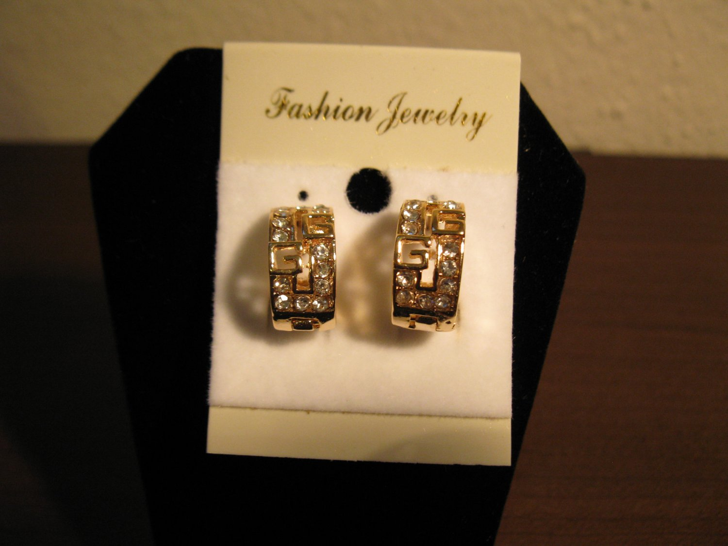 Stunning Gold CZ Hoop Earrings Pierced Earrings 0.5 in New! #D765