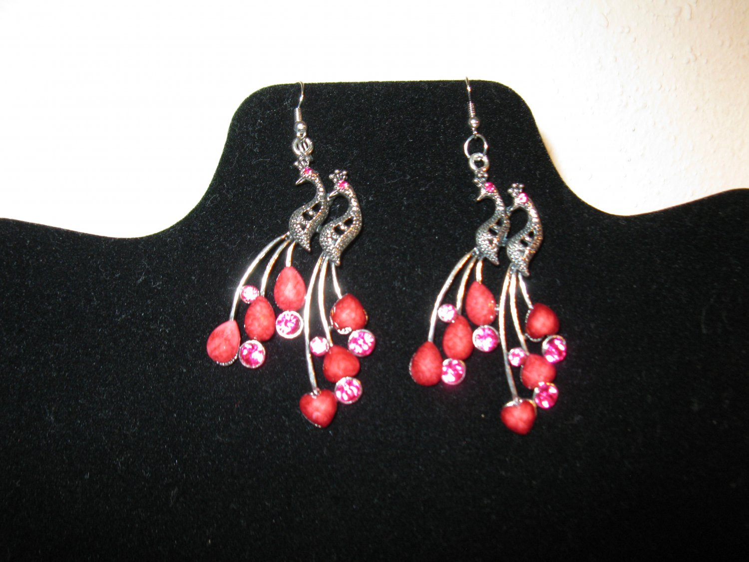 Pretty Silver Peacock With Red Gemstones Pierced Earrings Beautiful & New #D702