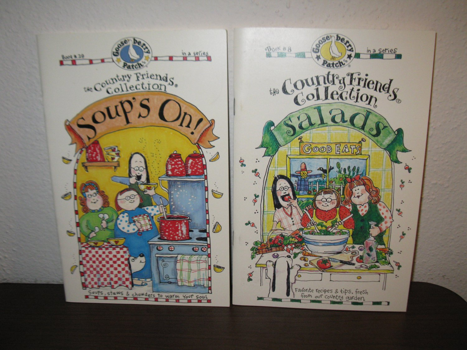 Gooseberry Patch Books #29 Soups On #8 Salads Like-New Paperback! #T1038