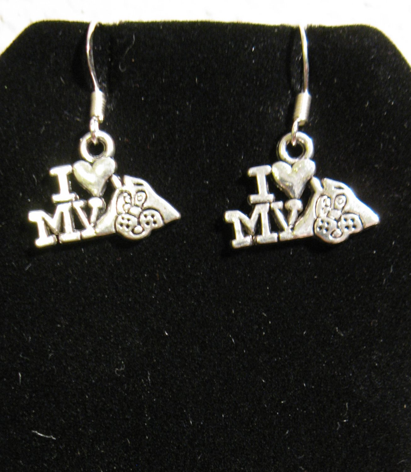 Adorable I Love My Dog Charm Earrings 1 in New! #D921