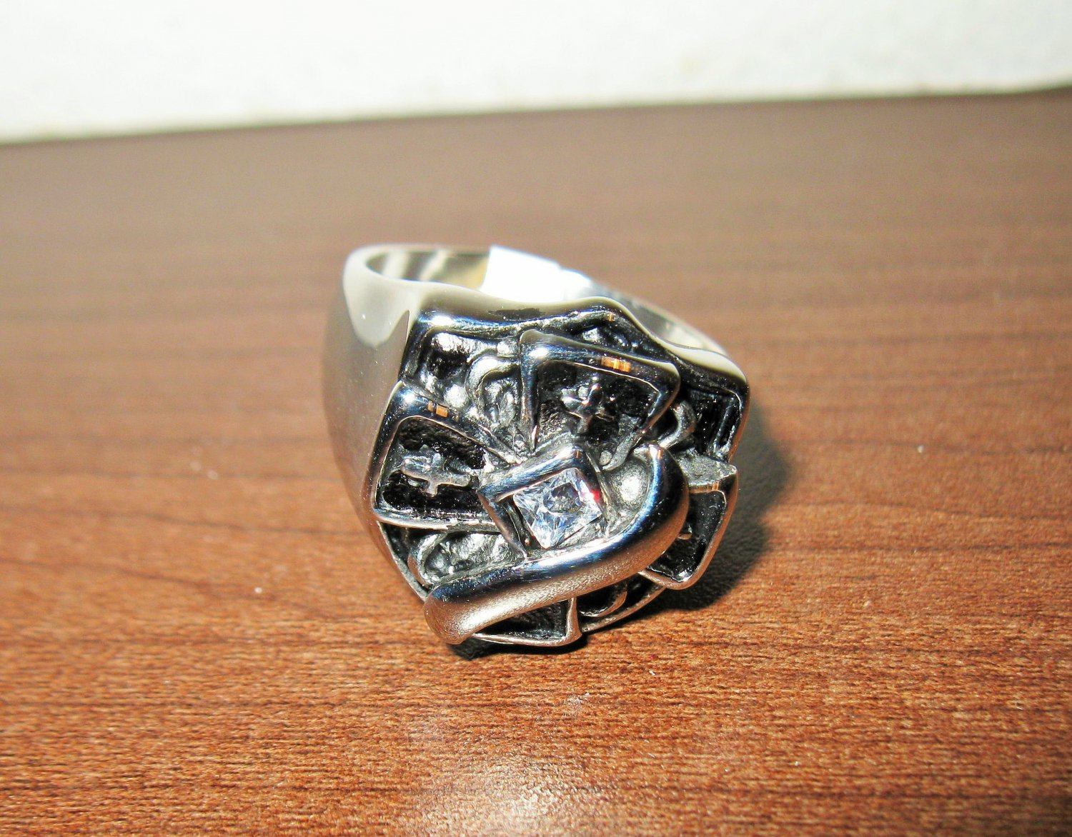 Unique Silver Cross Men�s Rhinestone Ring Size 13 New! #D1021