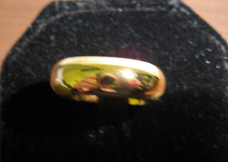 Beautiful Polished Gold Wedding Band Ring Unisex Size 8 New! #D974
