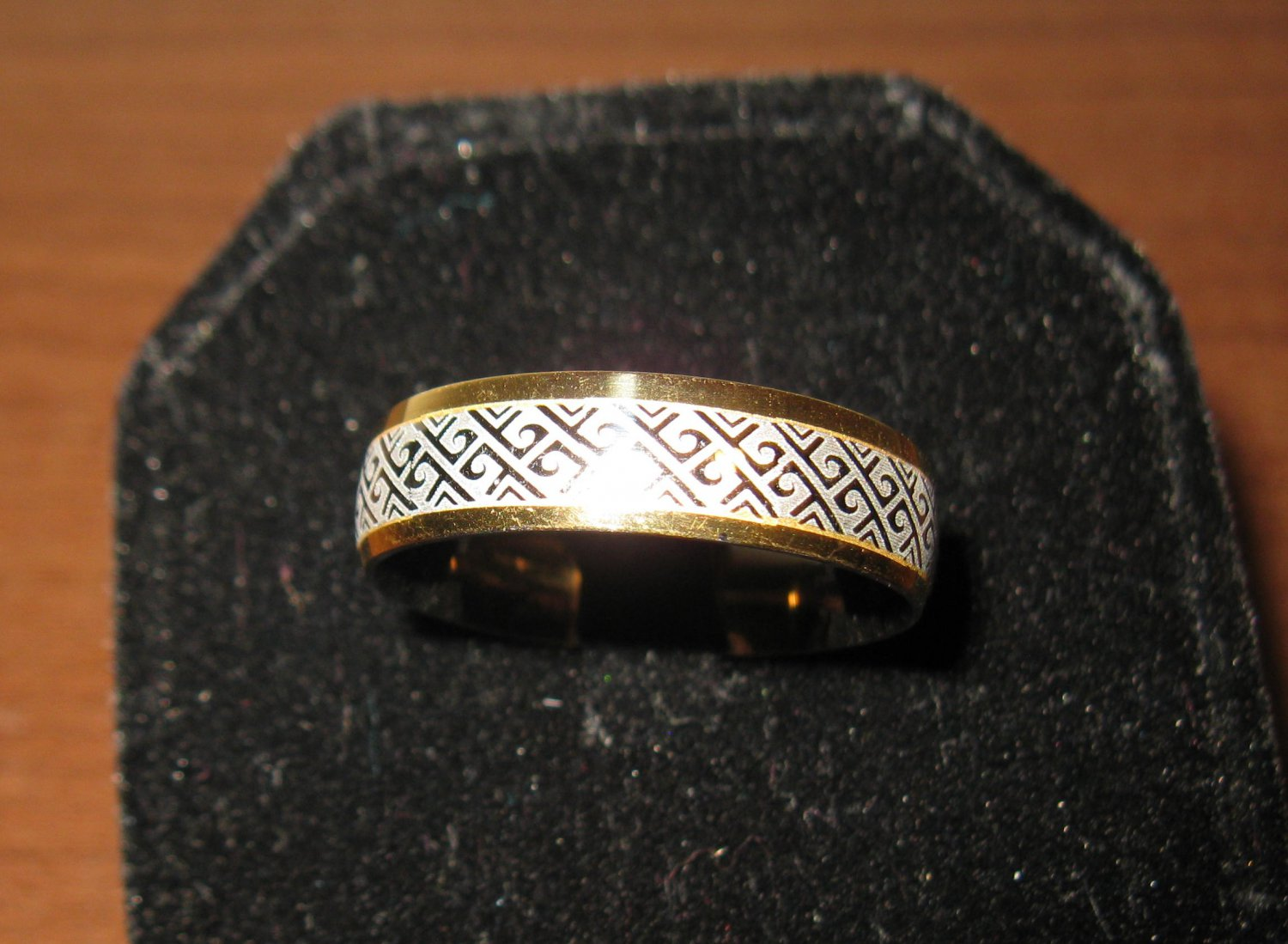 Beautiful Gold Moroccan Style Band Ring Size 11 New! #D972