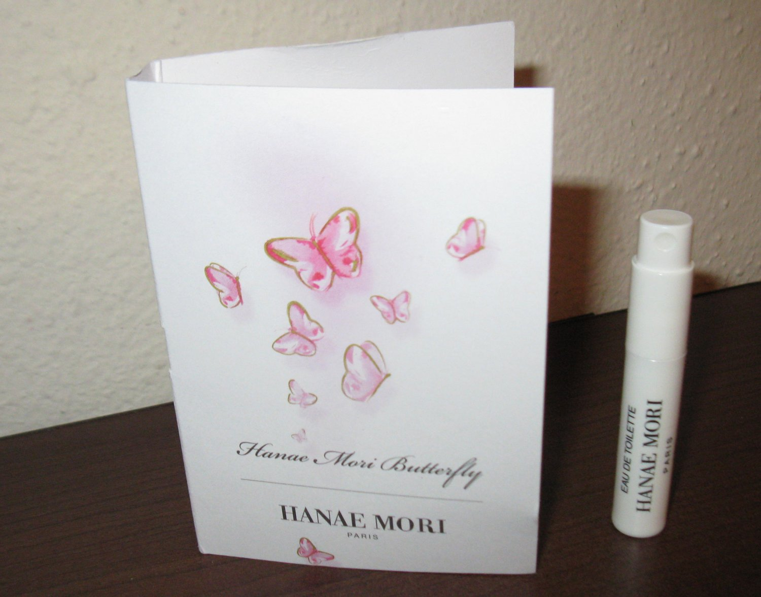 Hanae Mori Butterfly Eau de Toilette Deluxe Sample .04 oz/1.2ml New #K60
