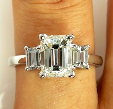 GIA 2.60CT ESTATE VINTAGE EMERALD CUT DIAMOND ENGAGEMENT WEDDING RING 3 STONE WG