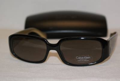 New Calvin Klein Sunglass Mod. 685 Col. Black (148) Size 54-16-135 & Case