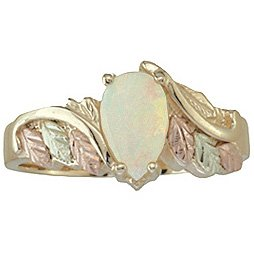 Black Hills Gold Ring Ladies Opal Cabochon Ring Exquisite