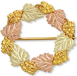 Black Hills Gold Wreath Of Leaves & Grapes Brooch