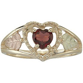 Black Hills Gold Ring Ladies Faceted Garnet Heart