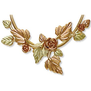 Black Hills Gold 3 Roses 10 Leaves Necklace Serpentine Chain