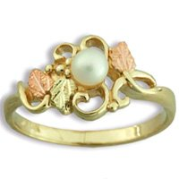 Black Hills Gold Leaves & White Pearl Ladies Ring