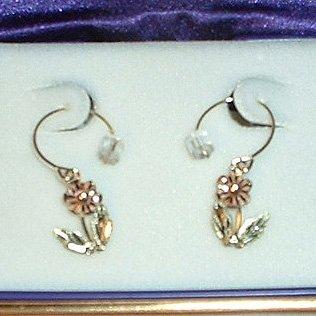 Black Hills Gold Daisy Wire Hoop Earrings