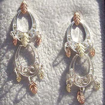 Black Hills Gold Earrings 7 Leaves Each Silver Post