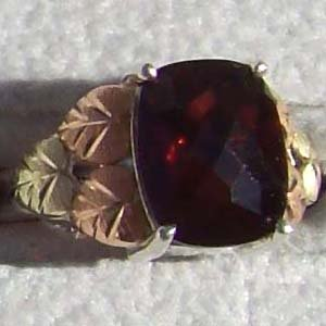 Black Hills Gold Ring Ladies Genuine Huge Garnet Silver