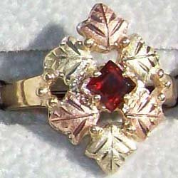 Black Hills Gold Ring Ladies 6 Leaf Square Garnet