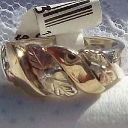Black Hills Gold Ring Mens Band 10K Ribbons Silver