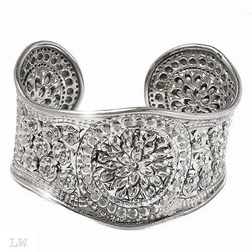 Elegant Bracelet Well Made in Solid 925 Sterling Silver.