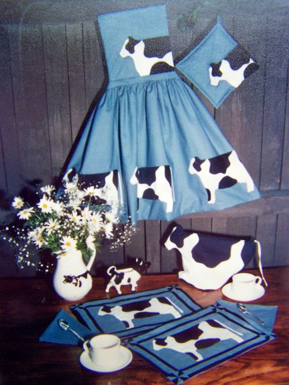Vintage Sewing Pattern Holsteins II Cow Placemats Napkins Apron Potholder Tea Cozy P-503