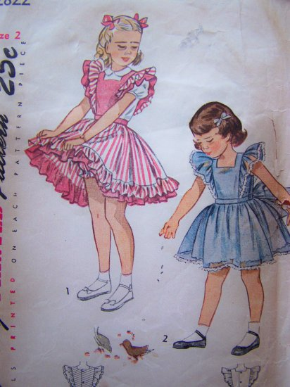 1940's Vintage Sewing Pattern 2822 Girls Ruffle Tie Pinafore Dress Dirndl Skirt Toddler 2T 2822