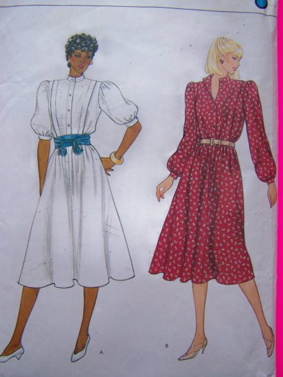 Vintage Vogue Flared Dress Sewing Pattern 8226 Bust 34