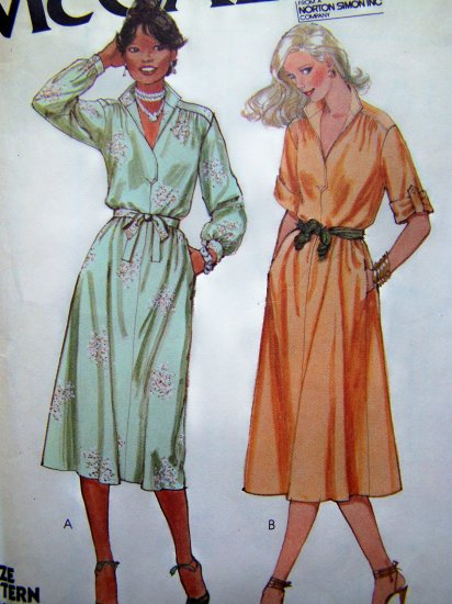 70's Flared Dress Short Tab or Long Cuff SLeeves B 34 Vintage Sewing Pattern 6489