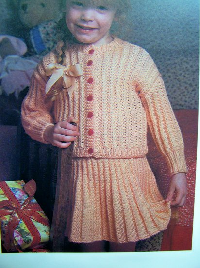 USA 1 Cent S&H Toddler Girls Pleated Skirt Sweater Top 2 Piece Dress Vintage Knitting Pattern