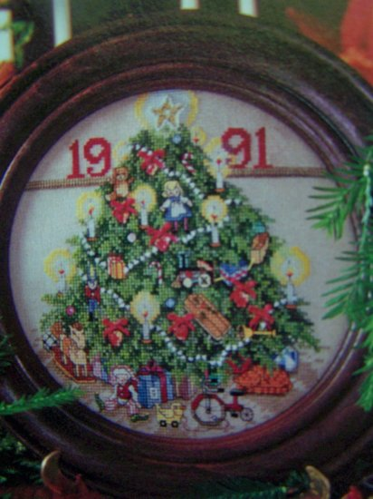 Christmas Better Homes and Gardens Cross Stitch Country Crafts Back Issue Pattern Magazine Dec 91