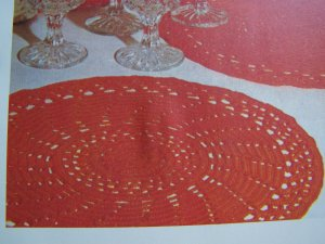 Spinning Wheel Placemats Vintage Crochet Pattern USA 1 Cent S&H