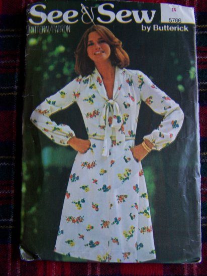 1 Cent USA S&H Vintage 70's Flared Dress Long Sleeves Sz 14 Sewing Pattern 5766