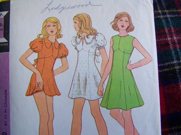 70's Vintage Mini Dress Sewing Pattern 3536 Empire Waist Puffed Sleeves Back Tie B 32.5