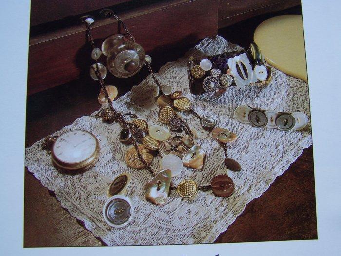 USA 50 C S&H Pattern to Make Vintage Button Jewelry Bracelets Necklace Barrettes
