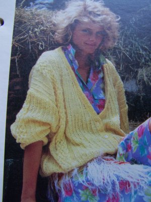 USA 1 Cent S&H Deep V Cardigan Knitted Womens Sweater Vintage Knitting Pattern