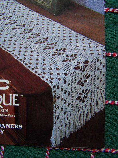 1 Cent USA S&H Filet Crochet Cotton Thread Pattern 2 Table Runners & Doily DMC