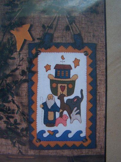Noah's Ark Crew Pattern Felt Appliqued Blanket Stitch Penny Rug Wallhanging 2040