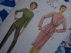 New Easy Vogue 8168 Sewing Pattern Misses Suit Jacket Slim Skirt & Pants 6 8 10 12